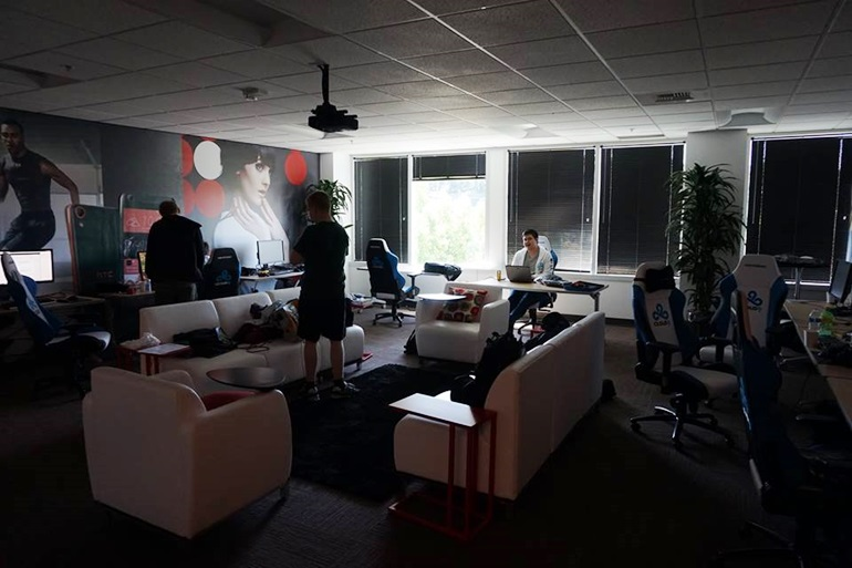 Cloud 9,  bootcamping in Seattle, at the HTC offices