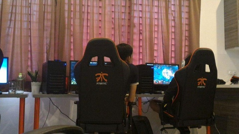 Dota 2 Fnatic ROG Masters Asian Tournament