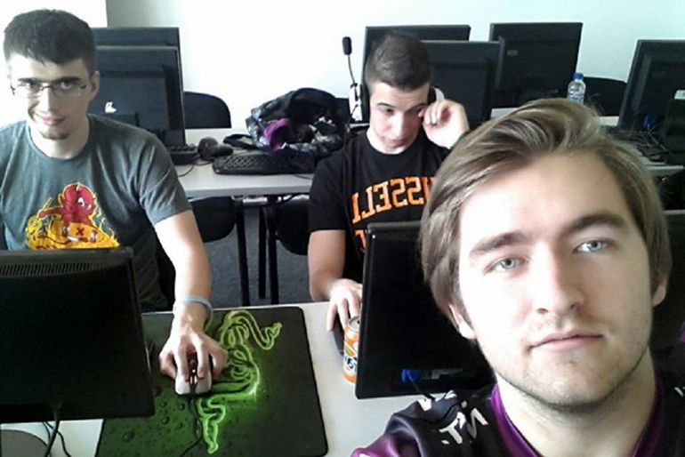 Madara and SsaSpartan with their London Conspiracy manager at the Razer  Think Fast Cup 2