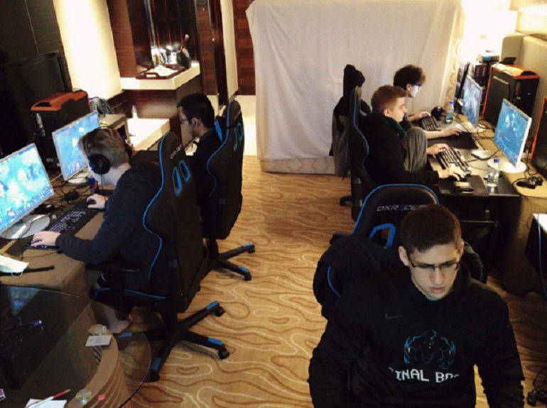Dota 2 OG practicing Shanghai Major Group C